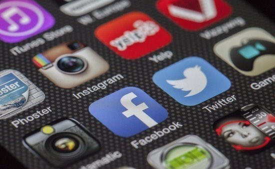 social media icons on phone menu